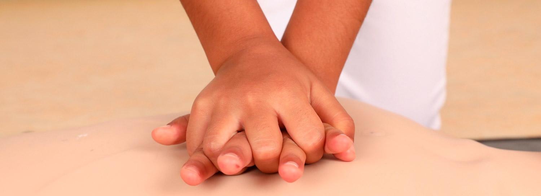 Herzdruckmassage richtige Handhaltung © PULS Hechenberger